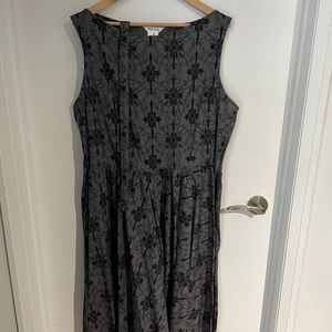 Grey patterned dress with matching belt